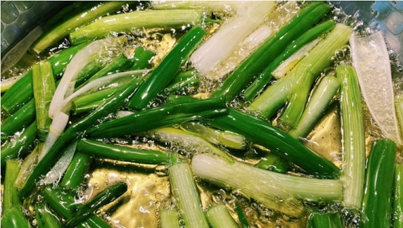 How to make Taiwanese scallion oil noodles