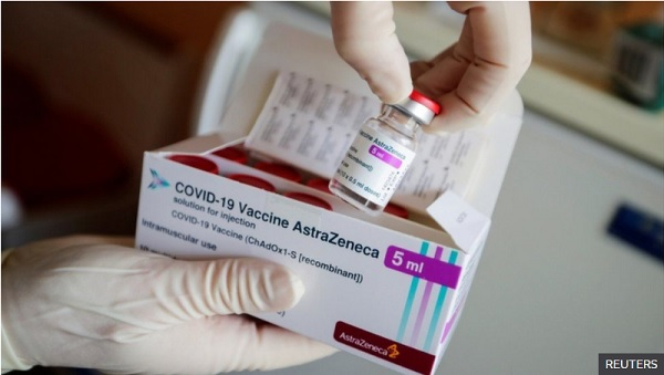 Covid: Germany approves AstraZeneca vaccine for over-65s